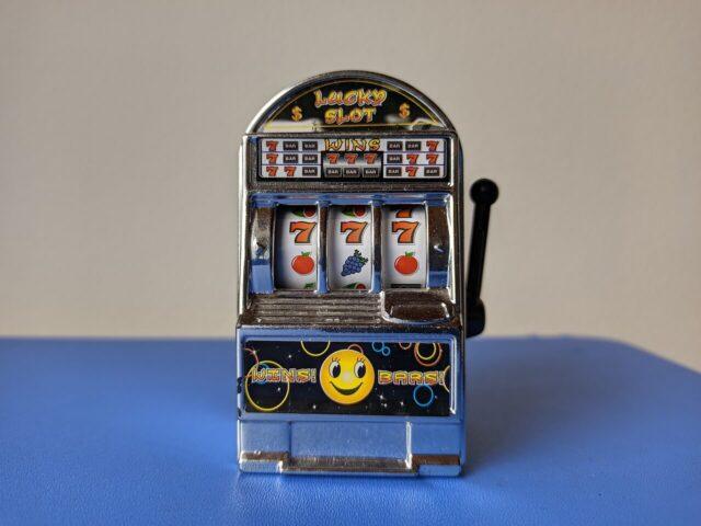 Kalahkan Mesin Slot di Kasino